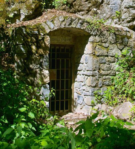 Den otevřených dveří-Ochozské jeskyně.